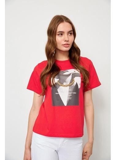 Setre Kırmızı Kısa Kol Baskılı T-Shirt Kırmızı